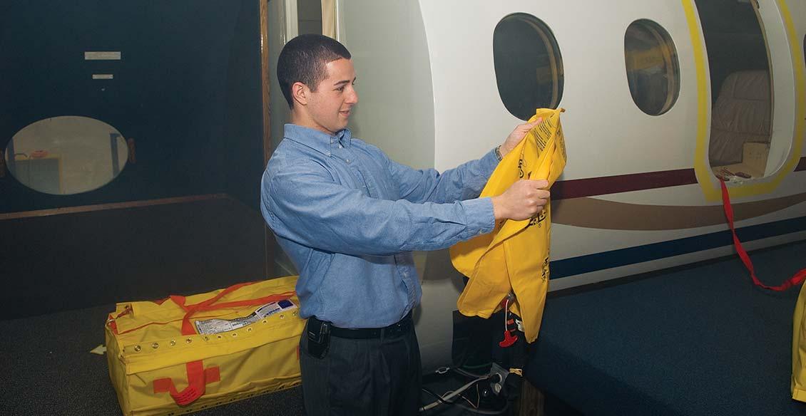 cabin-safety-executive-emergency-training-4